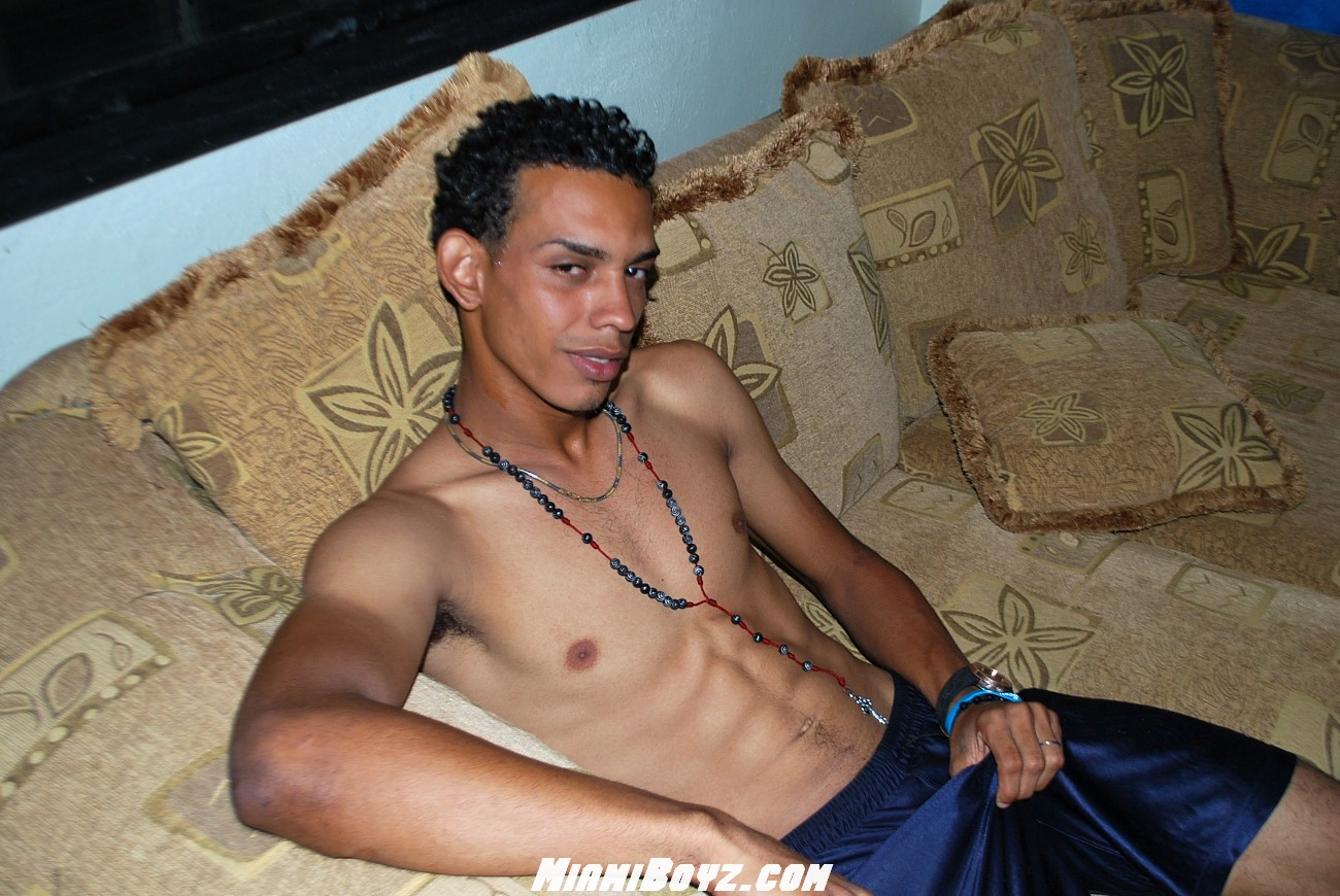 Miamiboyz Pablo Big Uncut Latino Straight Cock Jerking Off Amateur Gay