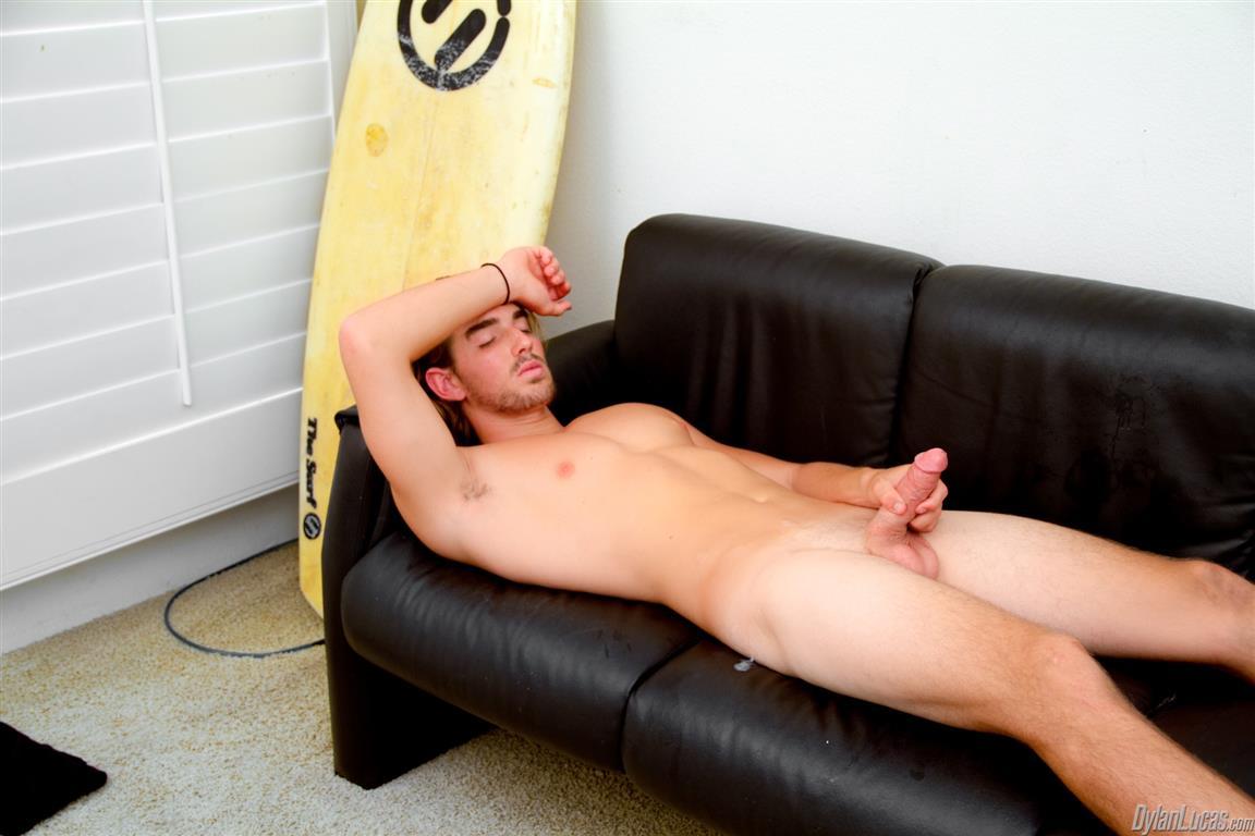 Dylan-Lucas-Alexander-Drake-Surfer-With-Shaved-Cock-Jerking-Off-Amateur-Gay-Porn-06 Amateur Broke California Surfer Jerking Off For Cash