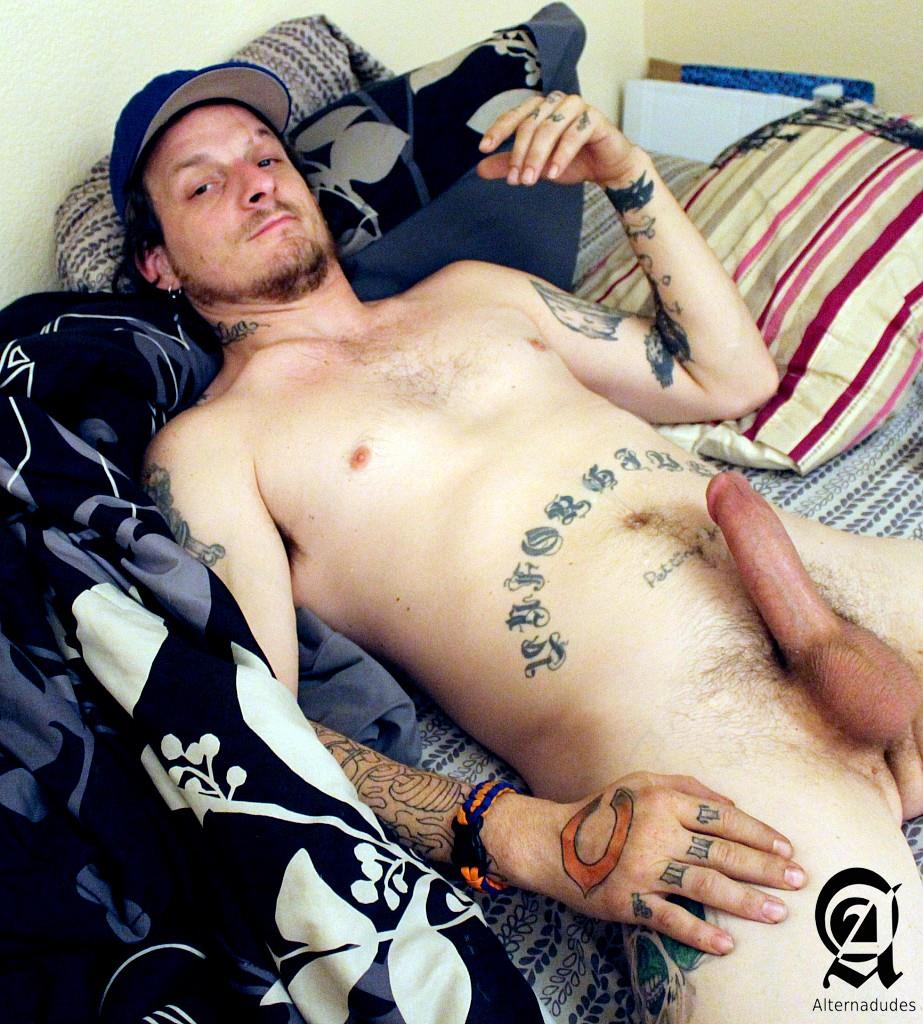 Alternadudes Fitz Homeless Guy With A Big Cock Jerking Off Amateur Gay Porn 20 Homeless Squatter Jerks His Huge Cock While Looking For A Cocksucker