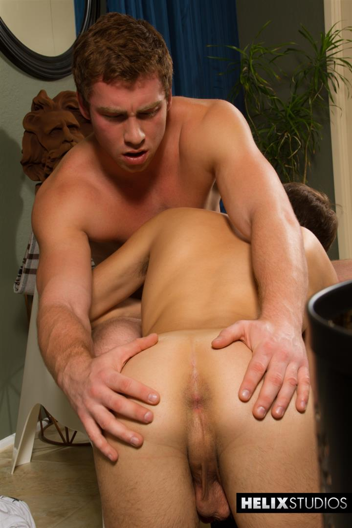 Helix-Studios-Connor-Maguire-and-Ryker-Madison-Big-Cock-Twinks-Fucking-Amateur-Gay-Porn-12 Twink Connor Maguire Gets Fucked By His Huge Muscle Twink Boyfriend