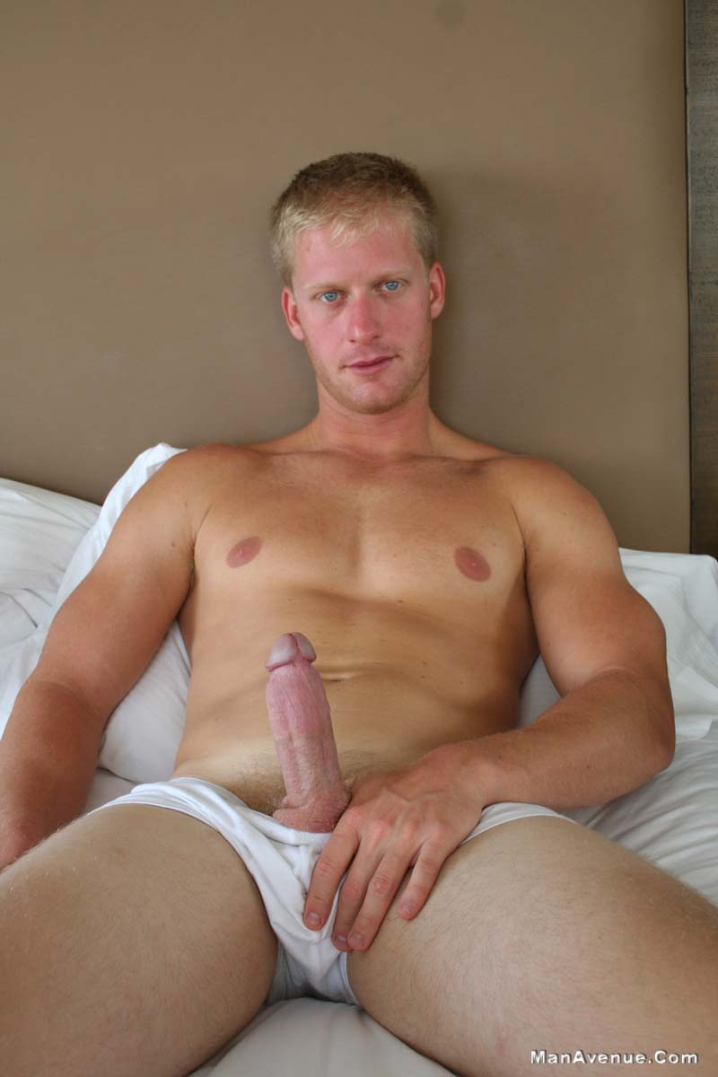 Man-Avenue-Mickey-Hardwood-Blonde-Guy-Jerking-His-Big-Cock-In-A-Hotel-Amateur-Gay-Porn-05 Blonde Hunk Jerking His Big White Cock In A Hotel Room