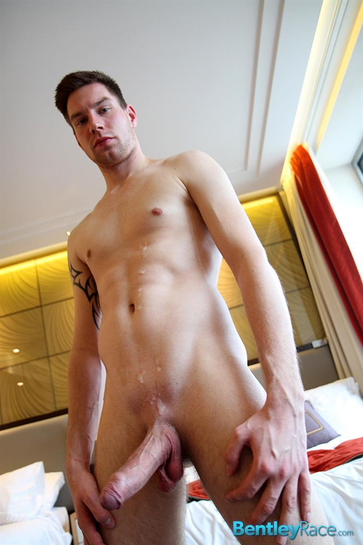 Bentley-Race-Max-Leider-German-Guy-With-A-Huge-Uncut-Cock-Jerk-Off-And-Cum-Amateur-Gay-Porn-17 Young German Hunk With A Massive Uncut Cock Rubbing One Out