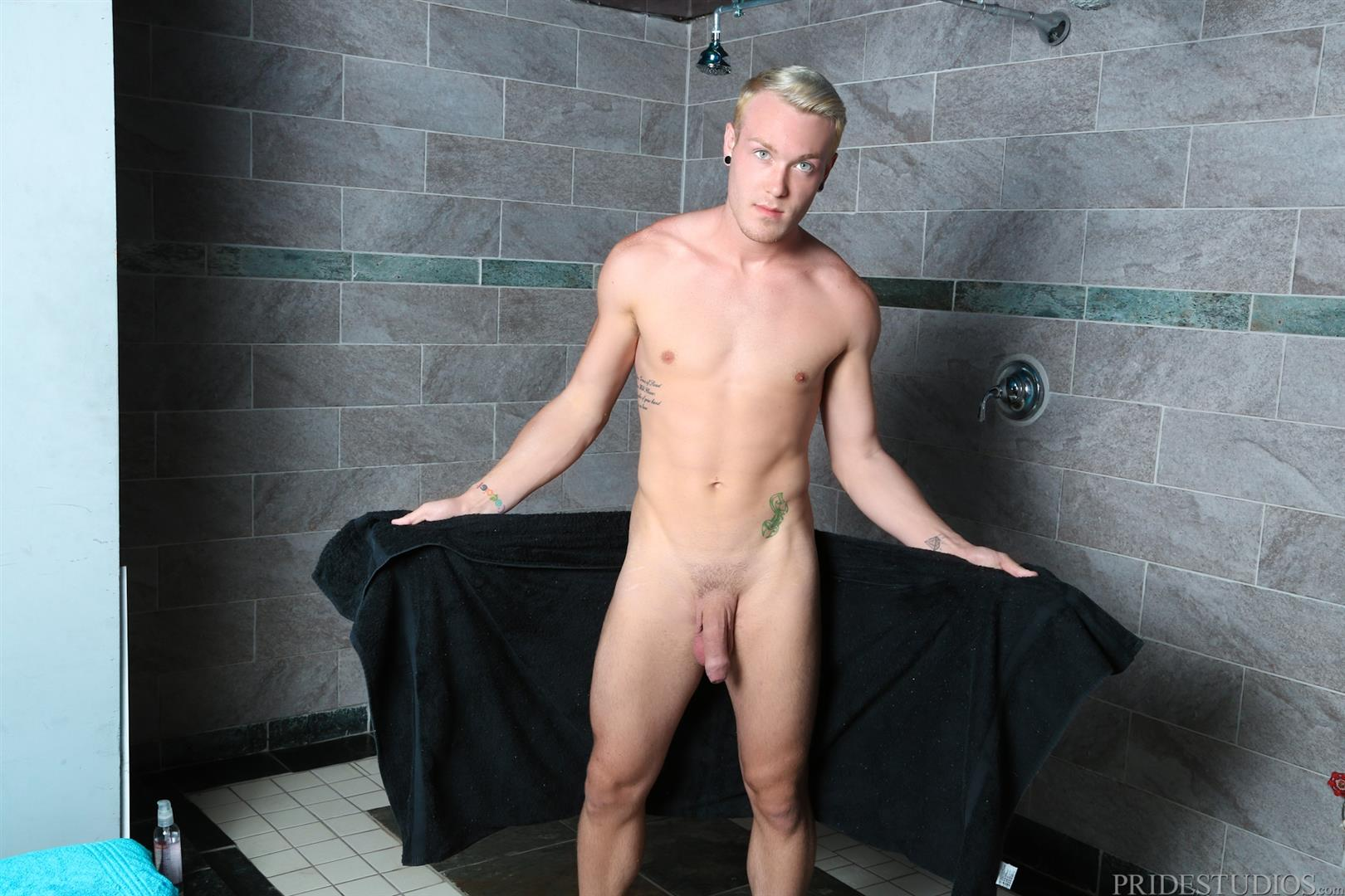 Extra-Big-Dicks-Kaydin-Bennett-Athletic-Guy-In-The-Shower-Jerking-Off-Big-Uncut-Cock-Amateur-Gay-Porn-06 Athletic Stud Showering And Stroking His Big Uncut Cock
