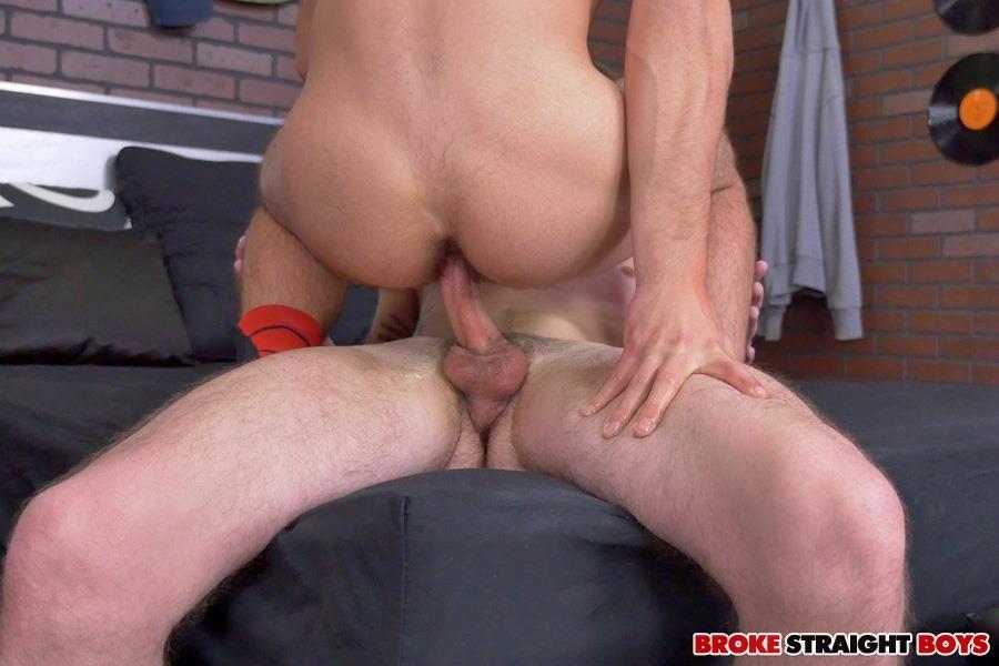 Broke-Straight-Boys-Cage-Kafig-and-Vadim-Black-Masculine-Guys-Barebacking-Amateur-Gay-Porn-15 Straight Masucline Boys Bareback Fucking For Some Spare Cash
